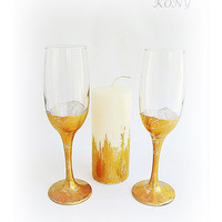 Gold glitter glasses of champagne, Golden decoration glasses, Gift for newlyweds, Wedding anniversary, Golden wedding, Glittered wineglass