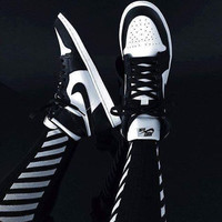 Nike Air Jordan Retro 1 High Tops Contrast Sports shoes Black white G-CSXY