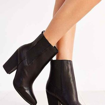 Joe's Jeans Blare Leather Chelsea Boot- Black