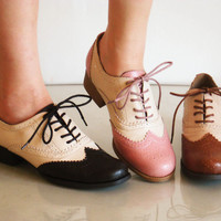 Comfy Classic Brogued Spectator Lace Up Oxfords L Heels