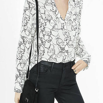 Original Fit Outlined Skull Print Portofino Shirt from EXPRESS