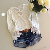 Hollow out lace sleeveless blouse
