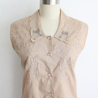 Vintage 60s Beige Lace Eyelet Sleeveless Button Up Blouse | Large