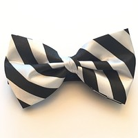 Black and White Stripe Bow Tie