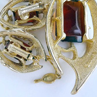 Sarah Coventry Abstract Gold tone and Golden Amber Necklace & Earrings - Vintage