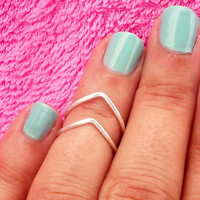 Above the Knuckle Rings -    Knuckle Rings - Adjustable Rings - Chevron Knuckle Rings -  Silver  Rings   - Set of 2 by Tiny Box -