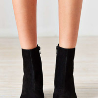 Vagabond Olivia Suede Boot | Urban Outfitters