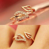 Euramerica Style Couple Leaves Crystal Drill Lover Rings For Women Party Wedding Ring Jewelry