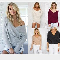 Brand New 2016 Fashion Women Clothing Autumn Winter Loose Sweaters Full Sleeve Solid Sexy V-neck Knitted Pullovers Black Tops