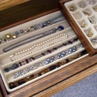 Axis 2722 Stack 'em 6-Compartment Necklace and Bracelets Organizer Box