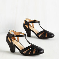 Swing You Off Your Feet Heel in Black | Mod Retro Vintage Heels | ModCloth.com