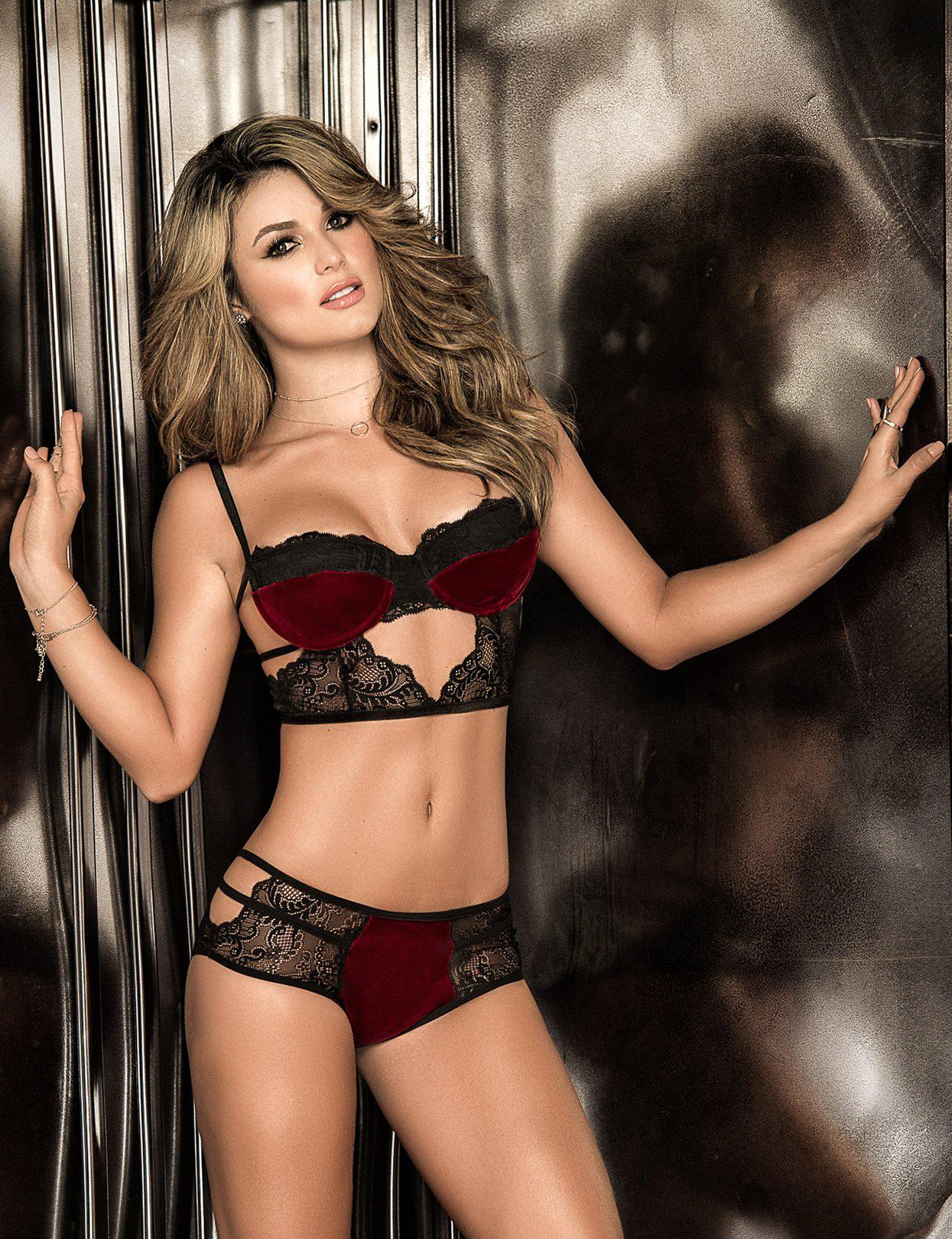Image of Strappy Lace And Velvet Set