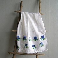 Tea Towel Embroidery Seed Beads Hand-embroidered Cotton Linen Retro Kitchen Decor Mother Gift Farmhouse Cottage Chic Wedding Towel