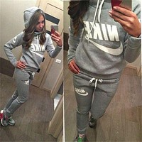 Nike Long Sleeve Top Sweater Hoodie Pants Trousers Sweatpants Set Two-Piece Sportswear
