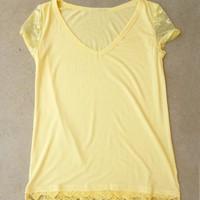 Laced T-shirt in Yellow