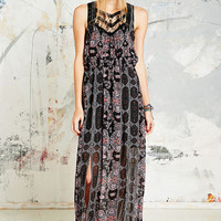 Free People Maxi Dress in Morrocan Print - Urban Outfitters