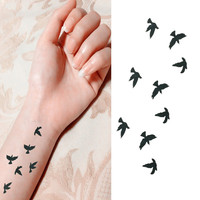 Women Sexy Finger Wrist Flash Fake Tattoo Stickers Liberty Small Birds Fly Design Waterproof Temporary Tattoos Sticker