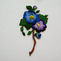 FLOWER / PANSY IN COLORED SHADES EMBROIDERED IRON ON APPLIQUE / PATCH
