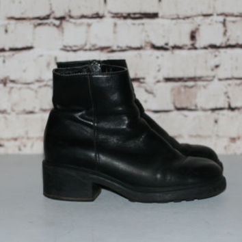 90s Chunky Boots Black Distressed Leather US 7.5 Platform Heel Ankle Bootie Grunge Hipster Festival Minimalist Punk Goth Gothic Pastel 7