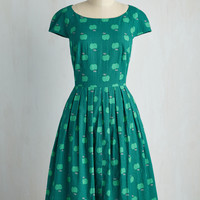 Emily and Fin Unmatched Panache Dress in Apples | Mod Retro Vintage Dresses | ModCloth.com