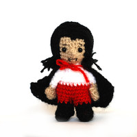 Halloween VAMPIRE doll, crocheted vampire, amigurumi vampire, tiny Dracula doll, small Halloween decoration, stuffed vampire, tiny horror