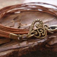 THICK BRONZE HEART vintage jewelry from bands by AsaiBolivien US$7,90