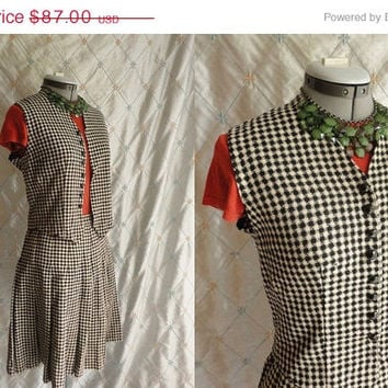 ON SALE Vintage 60s Skirt Vest Set // Vintage 1960s Black and White Houndstooth Pleated Skirt and Vest with Prentice Zipper Size M