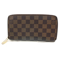 Authentic Louis Vuitton Zippy Wallet Browns Damier 132999