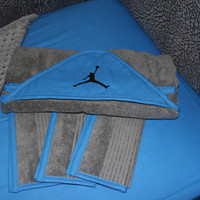 Jordan Hooded Towel Set