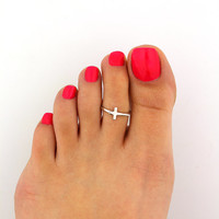 Sterling silver toe ring Cross design adjustable toe ring Also knuckle ring (T-94)