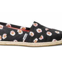 TOMS Daisy Floral Women's Classics Slip-On Shoes,