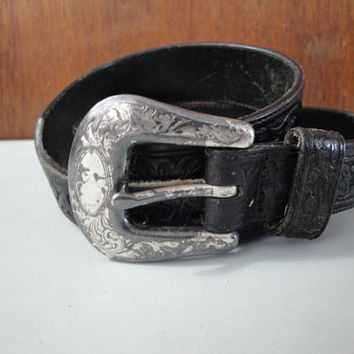 Vintage Gap Black Leather Western Look Belt Size 30 Tooled Look Design