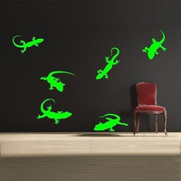 Lizard Wall Decal- by Decor Designs Decals, Lizard Wall Decals - boys room, gecko wall decal, lizard wall decal, reptile wall decals, animal wall decals, gecko decal, child room decor