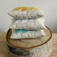 Home Inspirations / Pillows, they look earthy and chic!!!