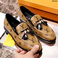 LV 2019 new female models old flower tassel pendant flat bottom set foot casual shoes Brown