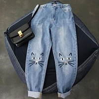 2017 New Women Jeans Vintage Cat Face Embroidery Jeans Cotton Pencil Ankle Length Denim Jean Pants J001