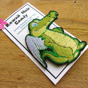 Winged Alligator Hair Clip, Hair Accessory, Swamp Family, Embroidered, Metal Alligator Clip, Hair Clips for Girls, Green, Handmade, Set of 1