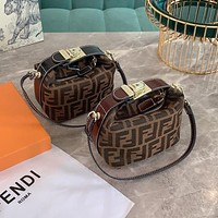 Fendi trendy fashion lunch bag portable shoulder bag