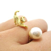 3D Kitty Cat Chasing a Pearl Ball Shaped Animal Ring in Gold