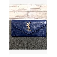 Women's long hand holding buckle wallet wallet crocodile pattern