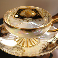 Vintage Royal Sealy Iridescent and Gilt WideMouthed by DadsTeacups