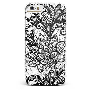 Black and White Geometric Floral iPhone 5/5s or SE INK-Fuzed Case
