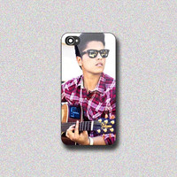 Bruno Mars Playing Guitar - Print on Hard Cover for iPhone 4/4s, iPhone 5/5s, iPhone 5c - Choose the option in right side