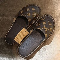 LV Louis Vuitton Printed Letter Home Slippers Couples Same Style Four Seasons Universal Casual Slippers flip flop