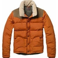 Jacket with trendy collar