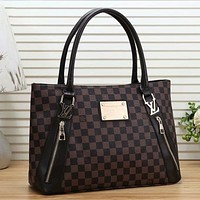 Louis Vuitton LV Classic Personality Tote Bag Retro LV Letter Print Ladies Handbag Shoulder Bag