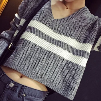 Stripe V-Neck Long Sleeve Knitted Cropped Top