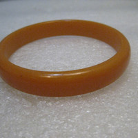 "Vintage Butterscotch Bakelite Bangle Bracelet, 7.5"", 12mm wide, 1940's"