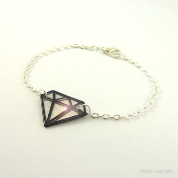 OLWEN Recycled CD diamond bracelet   Little iridescent and black graphic diamond, with silver chain   Jewelry by Savousepate