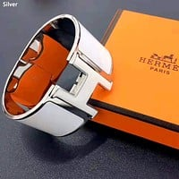 Hermes 2019 new letter H buckle for men and women bracelet Silver